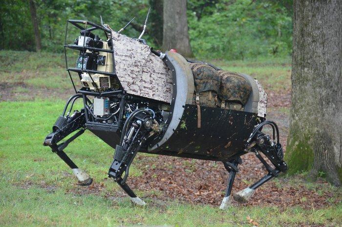 BigDog — четырехногий робот для переноски грузов