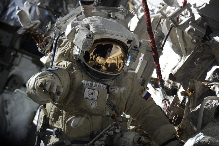 Работа в космосе А.Мисуркина и Ф.Юрчихина