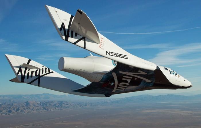 Первый самостоятельный полет частного космического корабля SpaceShipTwo