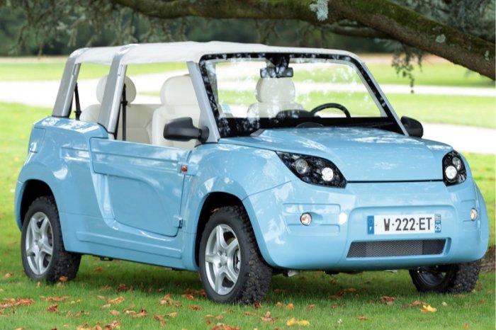 Bollore Bluesummer - серийный электромобиль в пластиковом корпусе