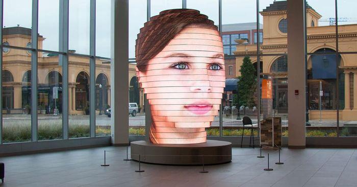 """""""As We Are"""" - скульптура Вашей головы в размере 5 метров"""