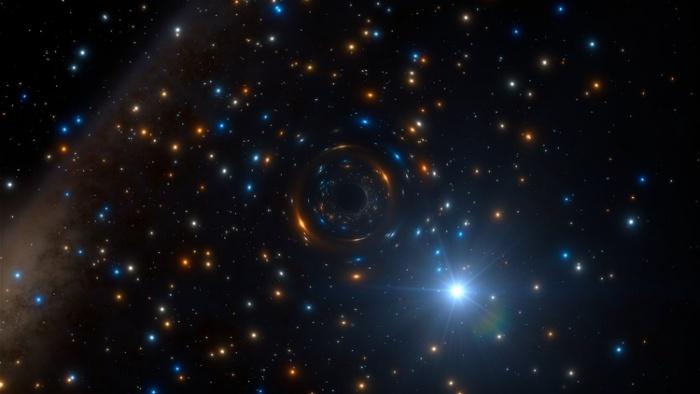 Черная дыра, «скрытая» звездами