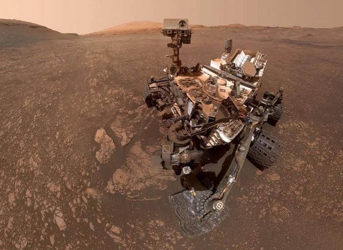 Аппарат «Кьюриосити» нашёл признаки воды на Марсе