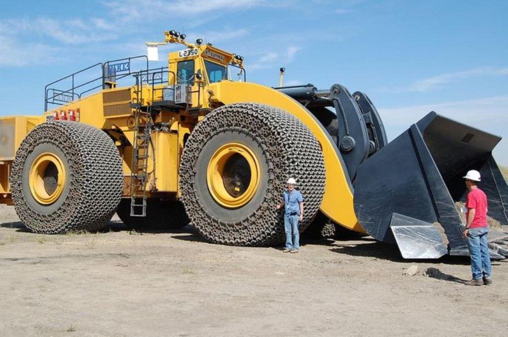 LeTourneau L-2350 - самый большой погрузчик