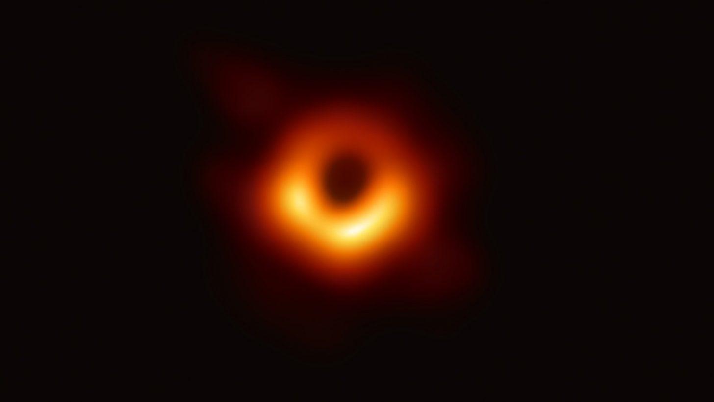 Первая в мире фотография чёрной дыры