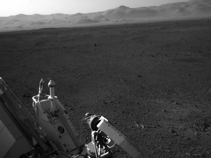 Марсоход Curiosity произвел химический анализ породы на Марсе