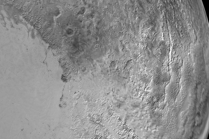 Фотографии Плутона, переданные зондом Новые горизонты