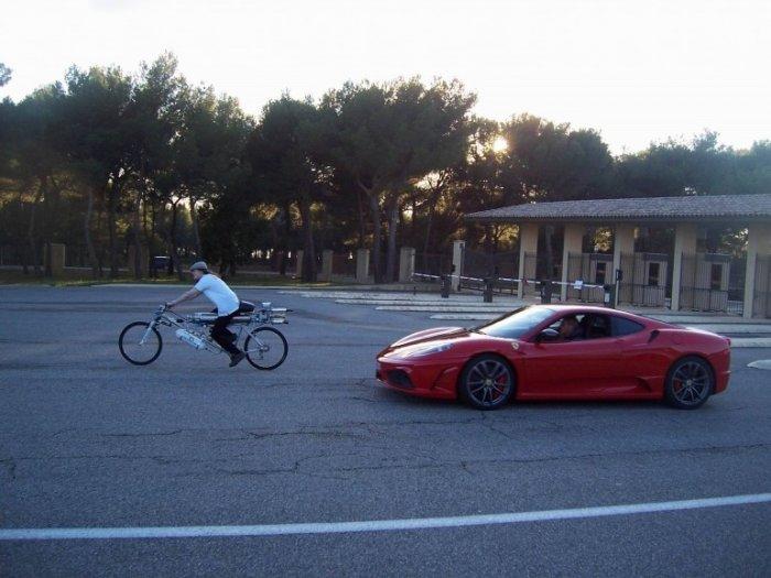 Велосипед с реактивным двигателем   Новости технологий