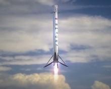 SpaceX Falcon 9 - многоразовый ракета-носитель