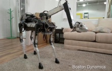 Робот SpotMini  - четвероногий домашний помощник