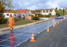 Дорога из солнечных панелей в Нормандии