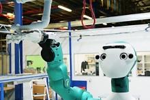 Робот ARMAR-6 подаст руку помощи техникам на складе