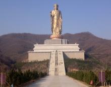 Статуя Будды Весеннего Храма - самая высокая статуя в мире