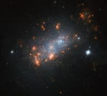 Хаббл смотрит на галактику NGC 1156