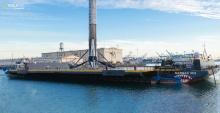 SpaceX отправляет беспилотный корабль Falcon 9 по морю